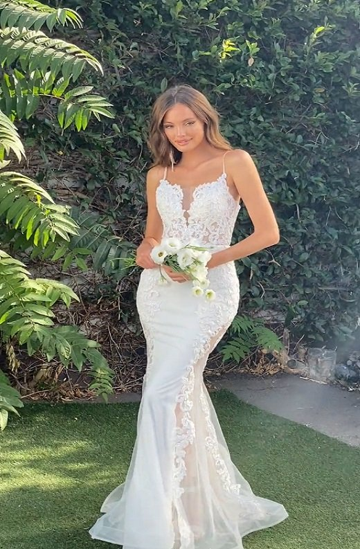 White Floral Embroidered Lace Basque Corset Sheer Tulle Bridal Gown 4